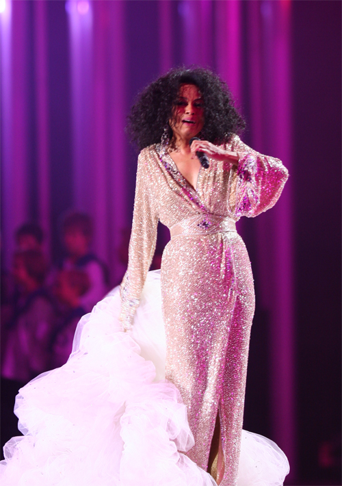 nobel_peace_prize_concert_2008_diana_ross4